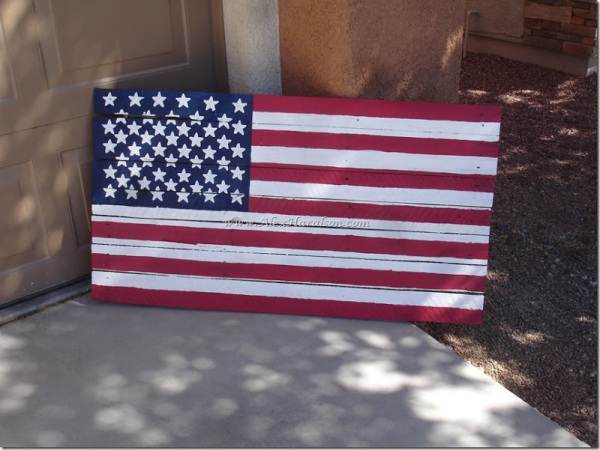 Pallet-Wood-American-Flag15_thumb1